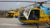 vista previa del artículo Un helicóptero medalizado aterrizo en plena calle de Empuriabrava