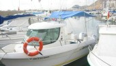 vista previa del artículo Encuentran un pescador flotando en el agua en el puerto de la Clota de la Escala