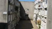 vista previa del artículo Profanan una tumba en el cementerio de Sant Joan les Fonts